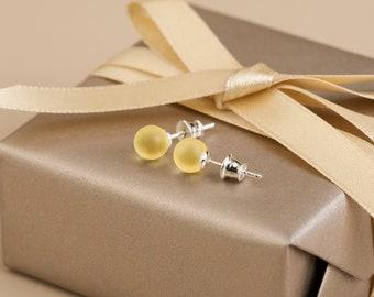 Amber stud earrings, Baltic amber studs, Yellow stud earrings, Yellow amber, Silver amber, Silver earrings stud, everyday earrings