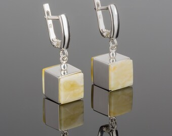 Geometric earrings with silver cubes and natural Baltic amber | Statement earrings with royal white amber | Cube amber earrings