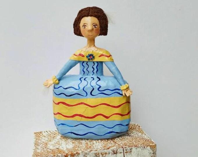 Menina Velázquez paper mache 15 cm height,doll Spain, doll collection, paper sculpture, doll unique piece, artistic doll,menina