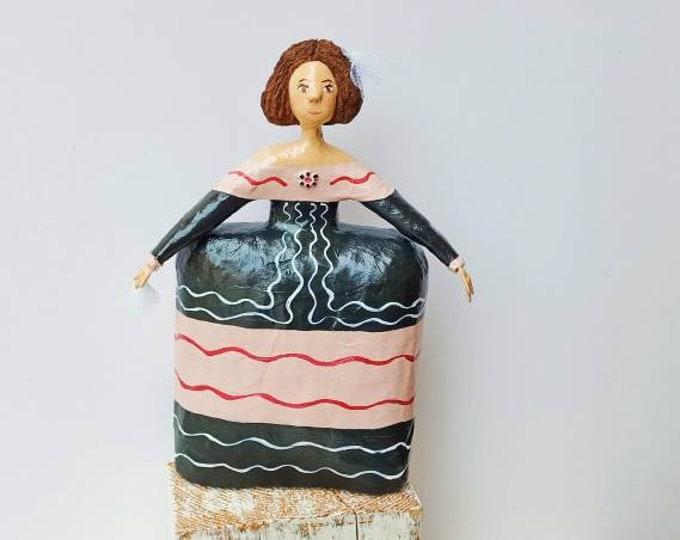 Menina Velázquez paper mache 25 cm height,doll Spain collection, paper sculpture,menina, doll unique piece, artistic doll