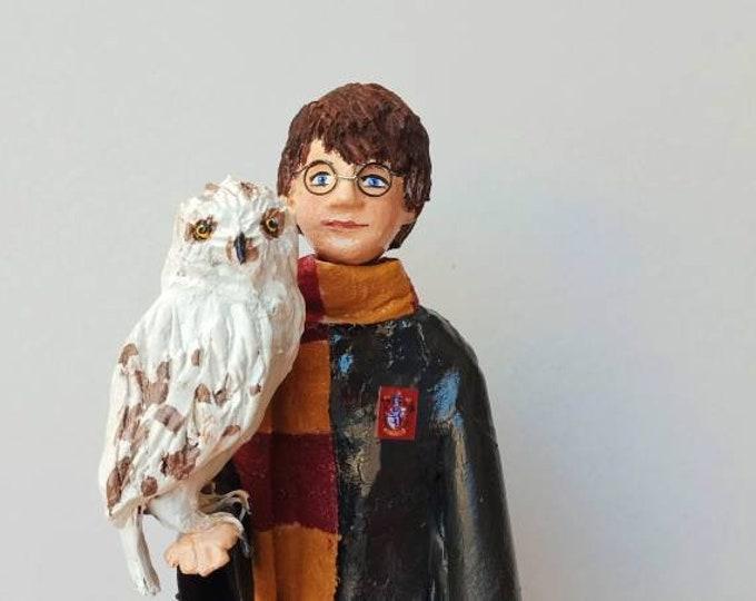 Harry Potter figure, Harry Potter doll, Harry Potter collection, Harry Potter sculpture, Harry Potter and owl, Harry Potter papier-mâché
