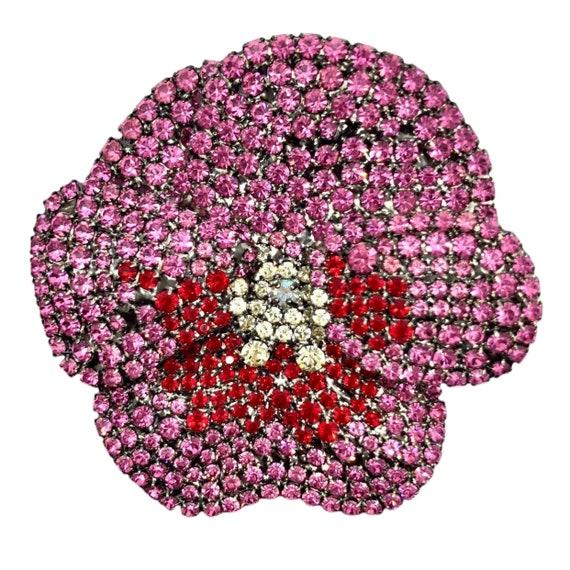 Snazzy Pink Pansy Flower Brooch - von Walhof Pin