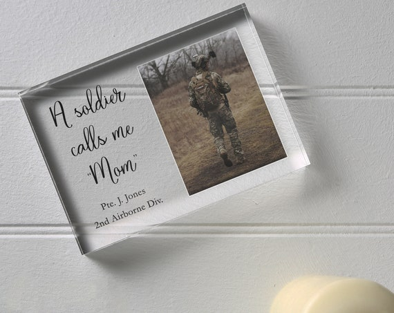 Custom Proud Army Mom Gift, Soldier Photo Frame For Family
