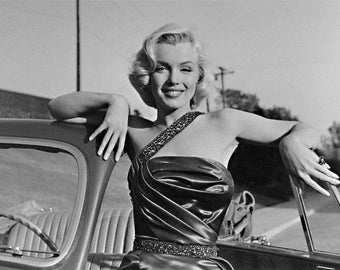 "Marilyn Monroe Limited Edition 16"" x 20"" Silver Gelatin Photograph (a) by Frank Worth"