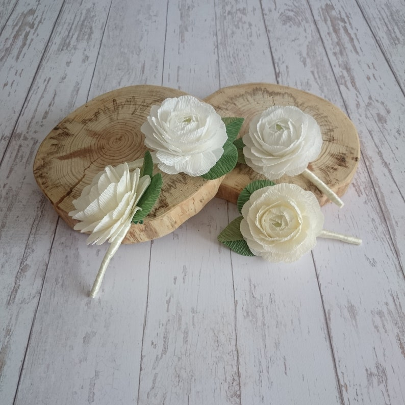 Set  paper flower boutonniere ranunculus Crem white paper ranunculus Grooms boutonniere Wedding fake boutonniere Crepe paper flowers