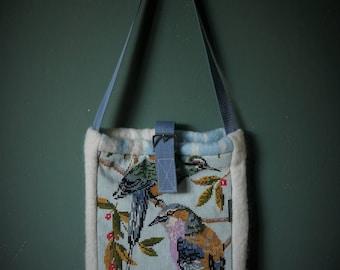 Shoulder bag in vintage blanket and embroidery.