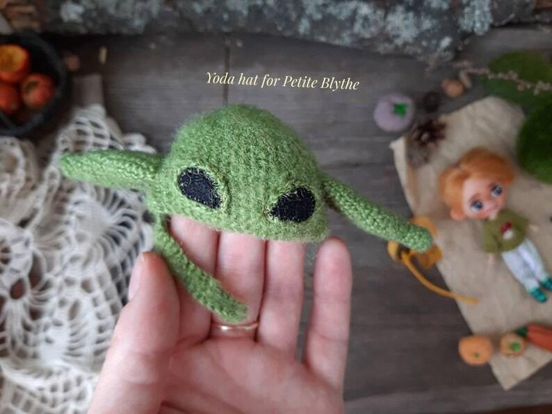 Creepy cute hat for miniature Blythe Halloween helmet for LPS Blythe Baby green alien hat for Petite Blythe