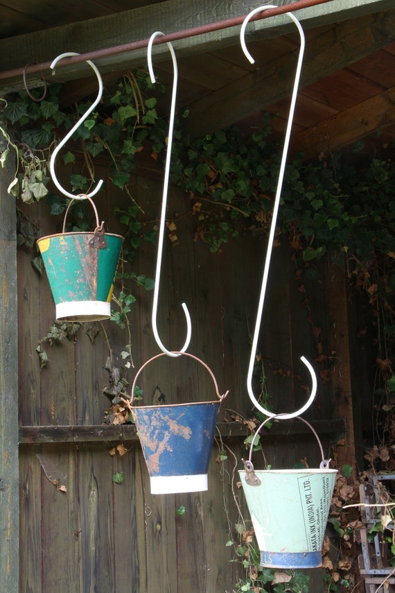 Metall Futterstation Regenschirm mit Haken Gartendeko Vögel Meisenknödel Hänger