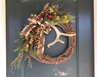 Winter Deer Antler Wreath with Pheasant Feathers, Deer Antler Wreath, Christmas Antler Wreath, Lodge Wreath, Cabin Wreath