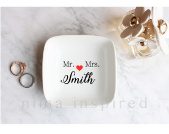 Personalized Ring Dish / Jewelry Dish / Wedding Gift for Couple