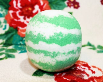 Relaxing Eucalyptus Mint Bath Bombs - Soothing Eucalyptus Essential Oil Bath Bomb - Soothing Epsom Salt Bath Fizzy - Regular and XL Size