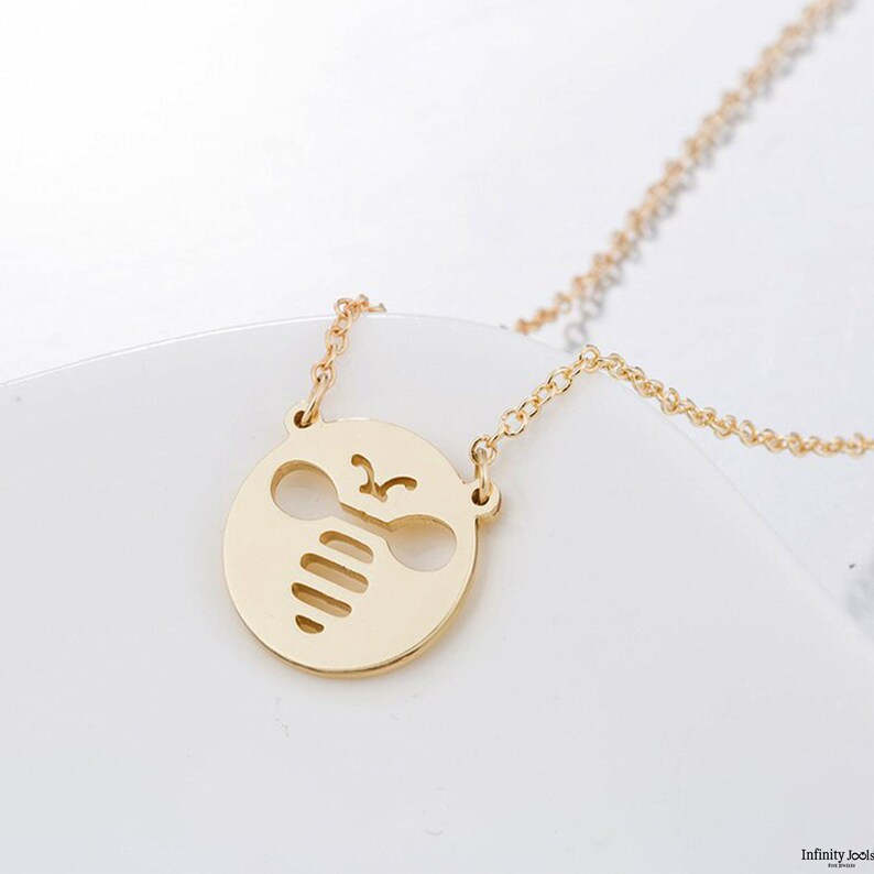Coin Necklace Gold coin Gold Bee Necklace queen bee necklace Dainty Necklace Gold Necklace Minimalist jewelry Gold disc necklace