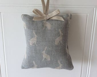 Lavender Hanger in Peony and Sage Mini Hops fabric in Light Rain on Cream Linen