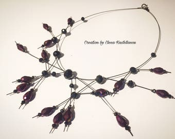 Necklace with wire and crystals