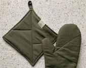 Linen Pot Holder in Forest Green | Linen Pot holders | Linen Hot Pads | Pot Holder | Oven Mitt | Kitchen Glove | Linen Decor | Minimalist