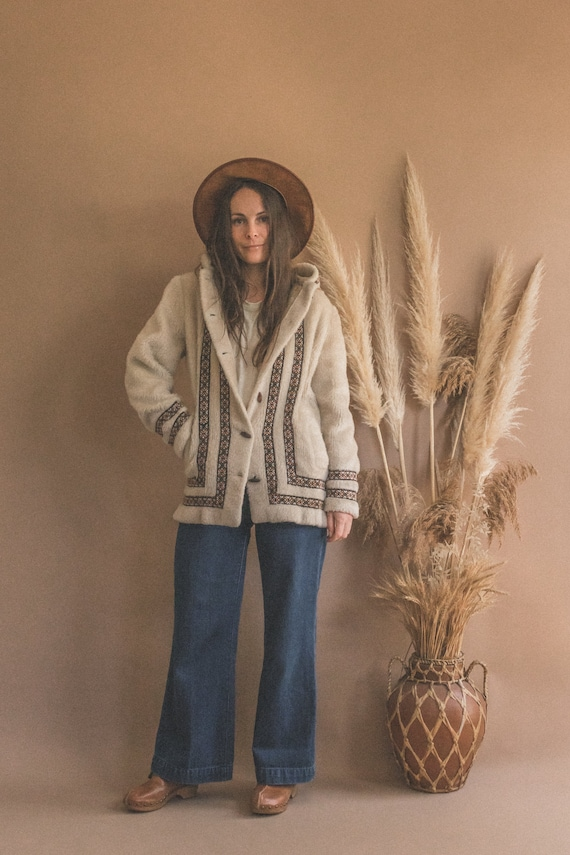 70s Faux Fur Vest Mouton Vest Boho Embroidered Detail Hippie Cozy Vest Tribal Ethnic Folk M L