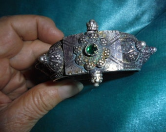 Yemen Bedouin Jewelry, fine silver granulated clasp bracelet with glass stone, 2 1/4 inches inner diameter