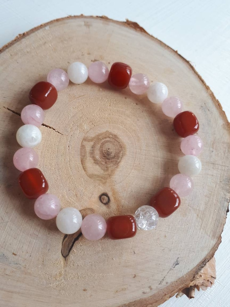 Fertility bracelet  well-being  menstrual pain  PMS  Crystal healing  gift idea for woman  for her  reproduction  fertility