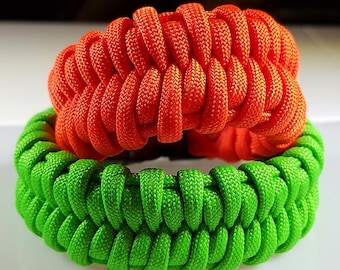 Beauty & Comfort in one paracord bracelet.  This is the Fishtail Belly bracelet.