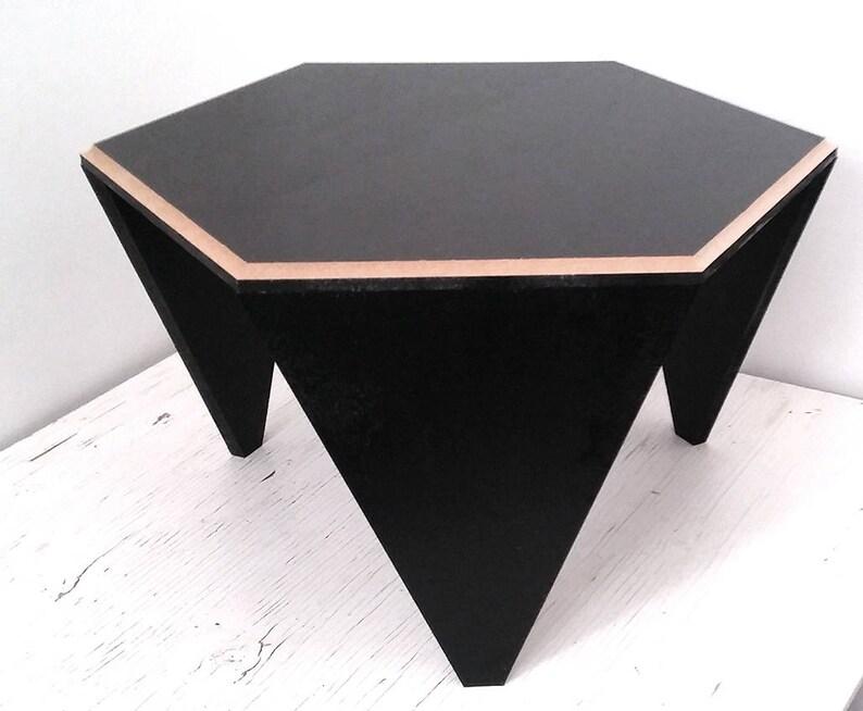 Mały Drewniany Stół Z Płytą Sześciokątną
