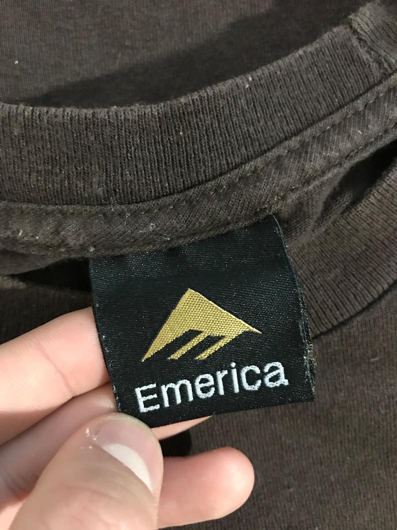 Vintage 90/'s Emerica T-shirt Rare Street Skate Footwear Shoes Wear Brand Skateboards Old School Retro Skatewear Logo Streetwear Brown Tee