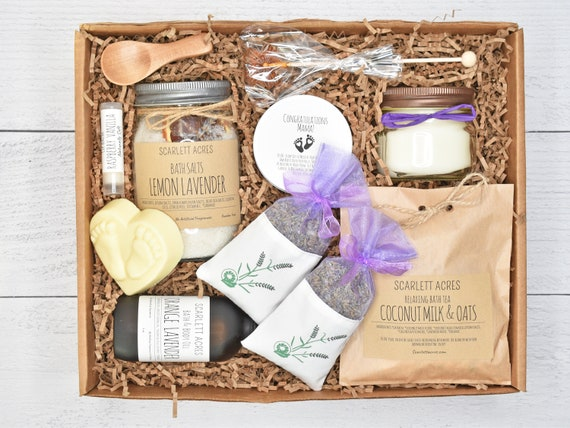 First Time Mom Gift, Expecting Mom Gift Basket, Organic Bath Gift Set, Pregnancy Gift Set, Mom To Be Gift Box, New Mom Care Package