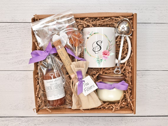 Mother of the bride gift box, mother of the groom gift basket, lotion gift set, tea gift set, personalized gifts, custom name mug