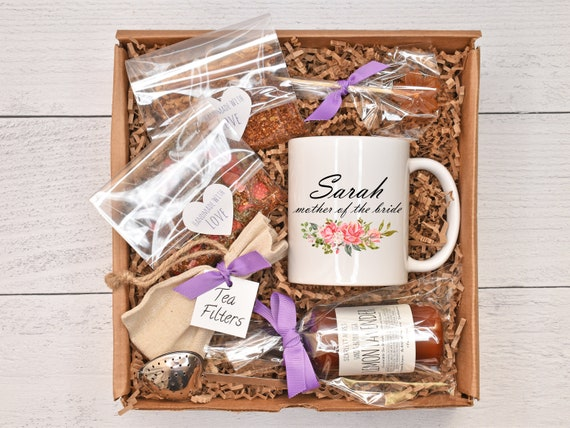 Mother of the bride gift box, mother of the groom gift basket, lotion gift set, tea gift box, personalized gift, custom name mug