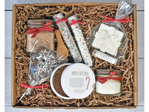 Peppermint Mocha Gift Set, Hot Cocoa & Marshmallows, Christmas Gift Basket, Gift Baskets For Women, Christmas Gift Box, Mom Christmas Gift