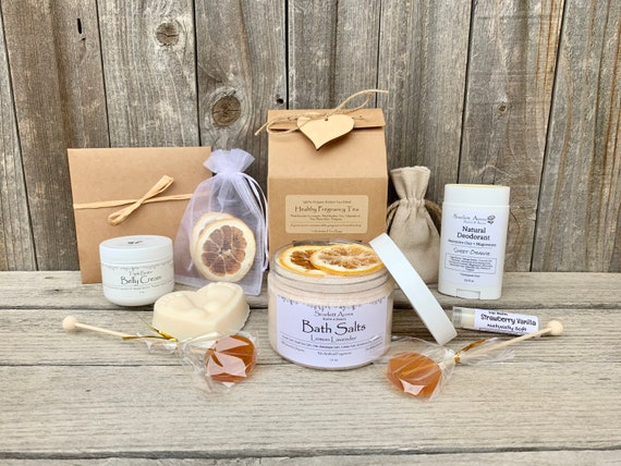 Mom To Be Gift Box, Pregnancy Gift Box, Expecting Mom Gift Basket, New Mom Care Package, First Time Mommy Gift, First Time Mom Gift Box