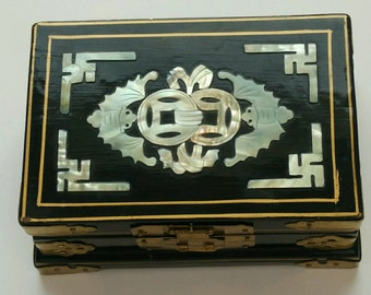 Chinese Vintage Black Lacquer Mother Pearl Jewelry Wooden Box 1900-1940