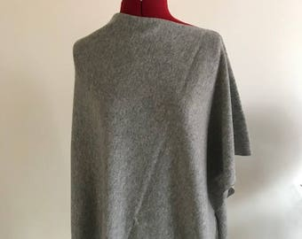 100% Pure Cashmere Boatneck Poncho in Light Grey