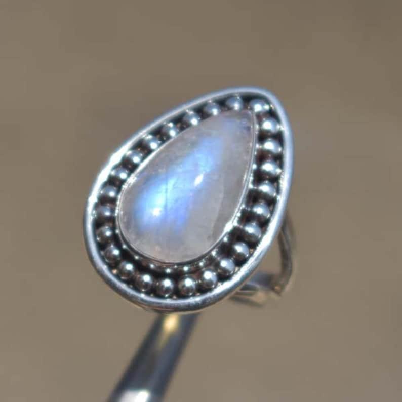 Natural Moonstone Ring,Designer Rainbow Ring,Solid 925 Sterling Silver Moonstone Gemstone Ring,Handmade Blue Flash Rainbow Ring,Gift for her