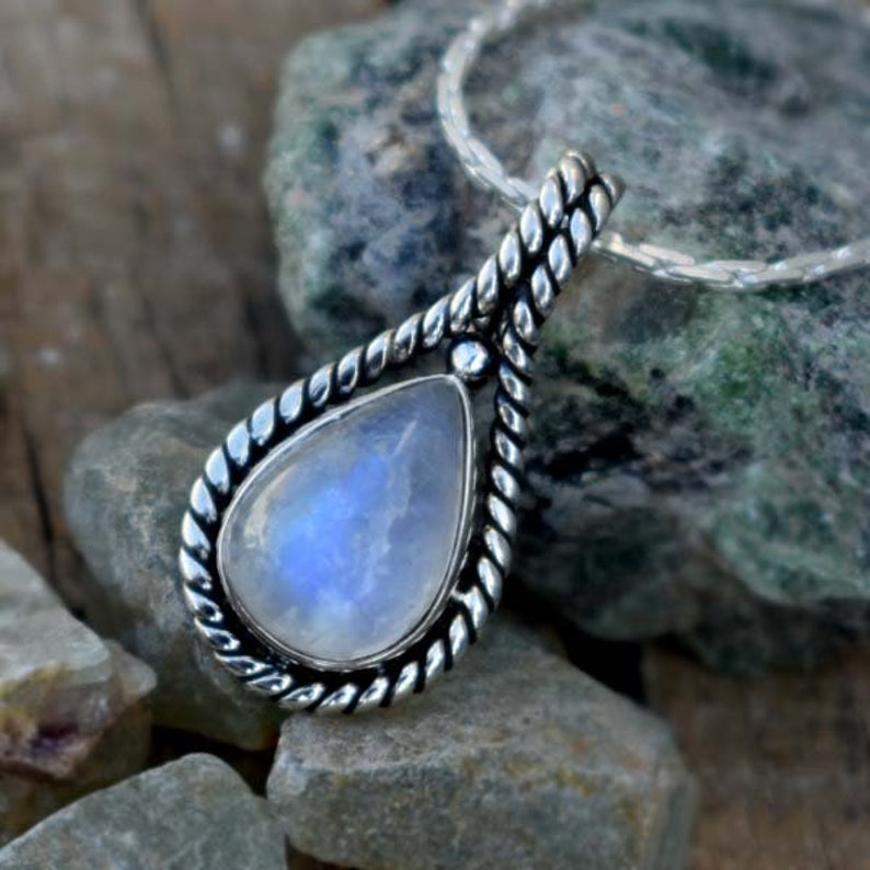 Beautiful Rainbow Moonstone Pendant,Solid 925 Sterling Silver Designer Rainbow Necklaces,Handmade Blue Flash Necklaces,June Birthstone Stone