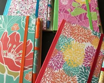 Floral Print Notebook Set