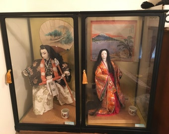 Vintage Kabuki doll set of 2 glass case
