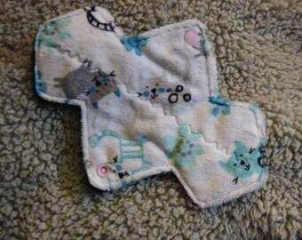 """8.5"""" Kitty minky cloth pad"""