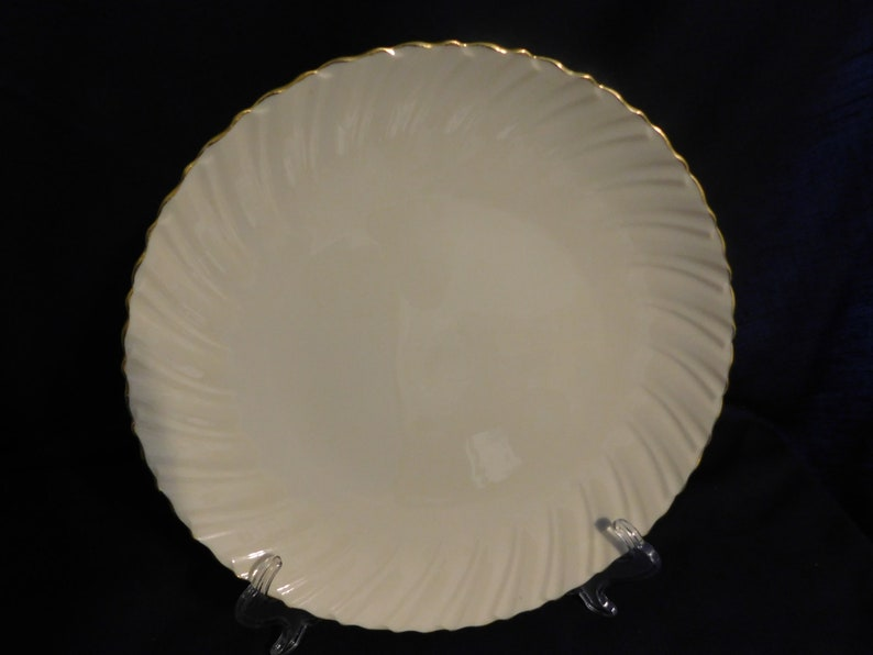 Lenox USA Special Round Serving Plate Ivory Bold Scalloped  Ruffle border