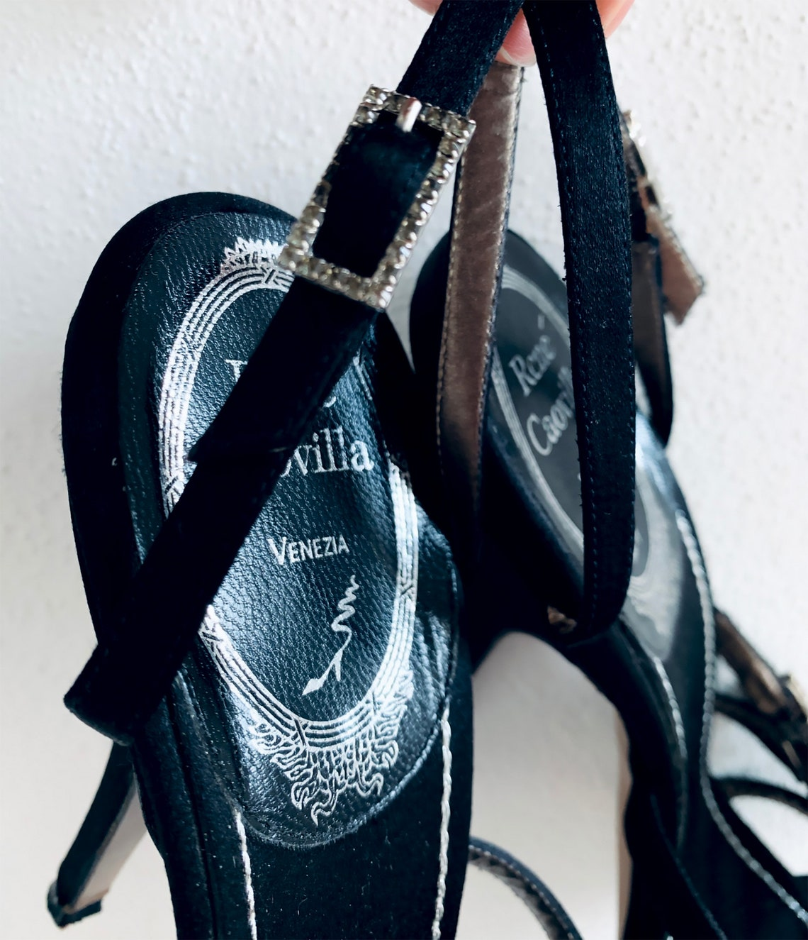 Renᄄᄄ Caovilla Original Evening Sandals Jeweled Black Satin - Big Sale tpun4