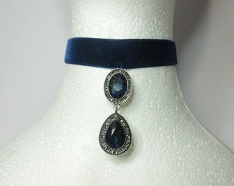 Blue Velvet collar and stone choker hanging band