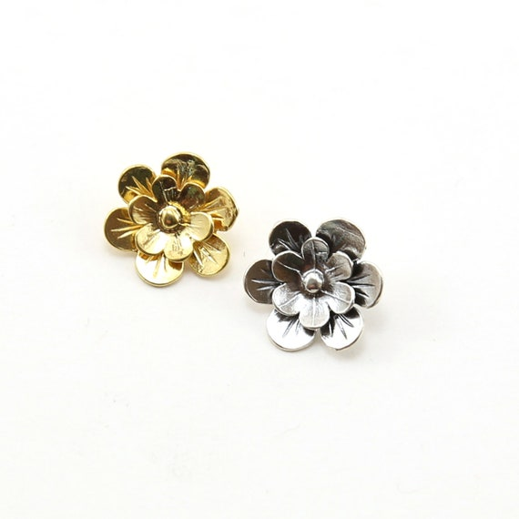 Layered Flower Daisy Button in Sterling Silver or Shiny Vermeil Gold Wrap Bracelet Button
