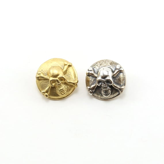 Pirate Skull and Cross Bones Button in Sterling Silver or Shiny Vermeil Gold Wrap Bracelet Button
