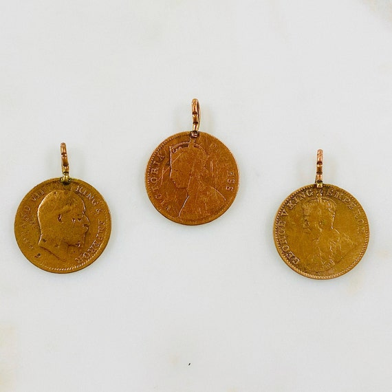 2 Pieces Copper Colored George V King Emperor One Quarter Anna India 1936 Coin Symbol Pendant Coin Medallion Pewter Charm