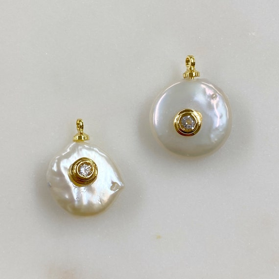 1 Piece Gold Plated Unique Freshwater with CZ Baroque Pearl, Cubic Zirconia Pearl Charm Pendant