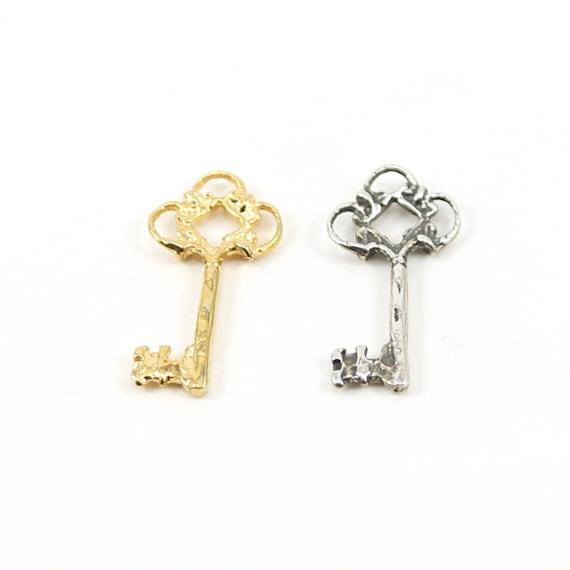 Victorian Fancy Skeleton Key in Sterling Silver or Vermeil Gold Key Pendant