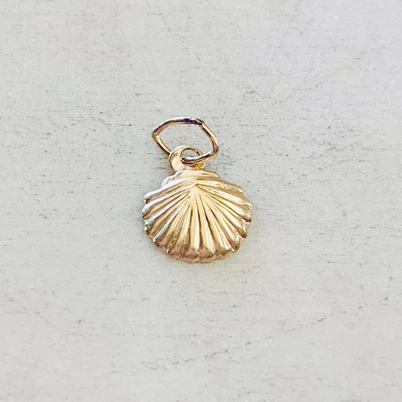 Dainty Lightweight SeaShell Ocean Nautical Charm Pendant 14K Gold Filled