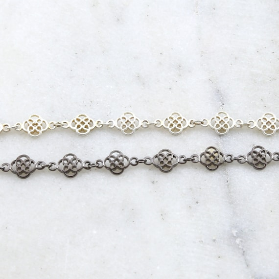 Base Metal Clover Flower Design Chain in Shiny Silver, Gunmetal  / Chain by the Foot