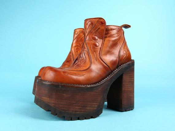 EL DANTES PLATFORM Boots / True 90s / Mega Plateau