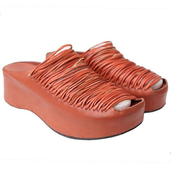 s Babies très UNIQUE fabriqués à partir de de de véritable cuir / glisser sur / orange / plate-forme / plates-formes / rare / hippie / boho / Bohème / 90 s / 90 ' s | Prix Raisonnable  4593cd