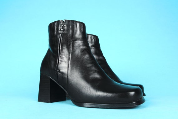 90'S VINTAGE BOOTIES / Square-toe Boots / Short Sh